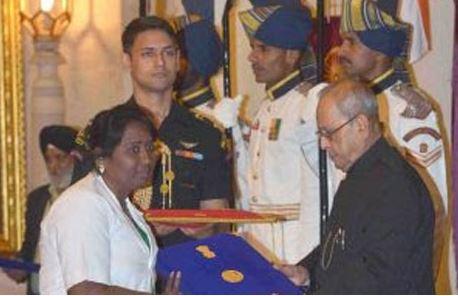 Odisha Nurse Krishna Kumari Receives Florence Nightingale Award 2017