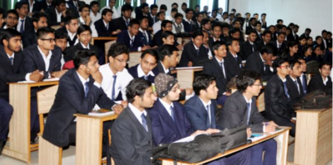 SC's Order To Suspend Engg Degrees Of 30,000 Students-2017